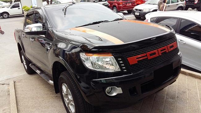 Ford Ranger 2014 độ mặt ca lăng chữ FORD