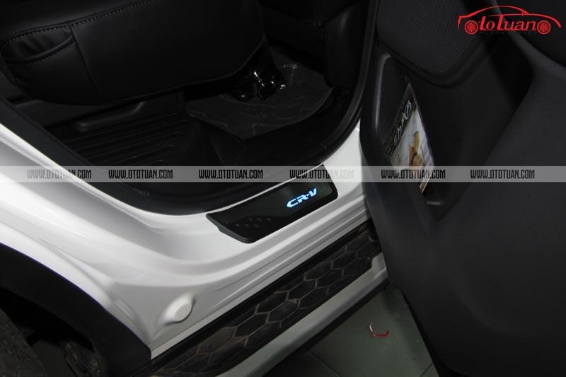 Nẹp bước chân có đèn xe Honda CRV 2019