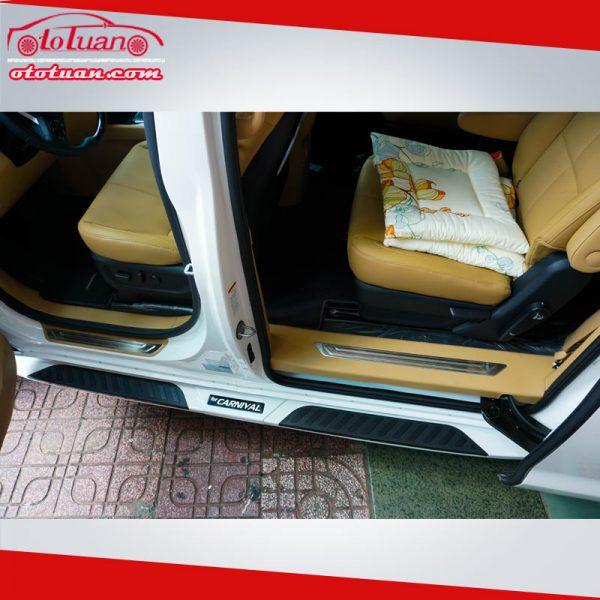Bệ bước chân xe KIA Sedona