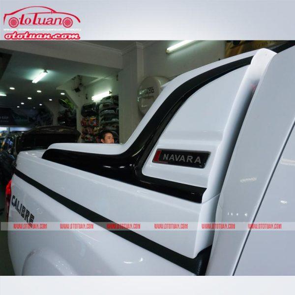 Nắp thùng thấp xe Nissan Navara
