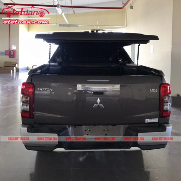 Nắp thùng thấp xe Triton 2019